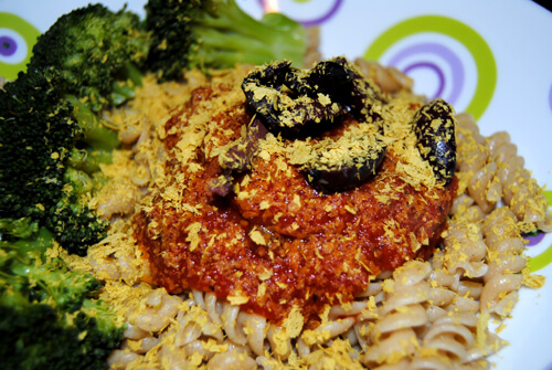 pasta-with-olives-bright