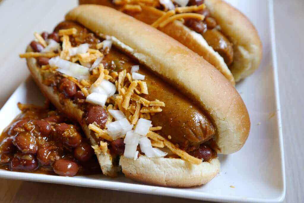 vegan chili hot dog field roast