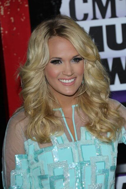 Carrie underwood starmax 2013