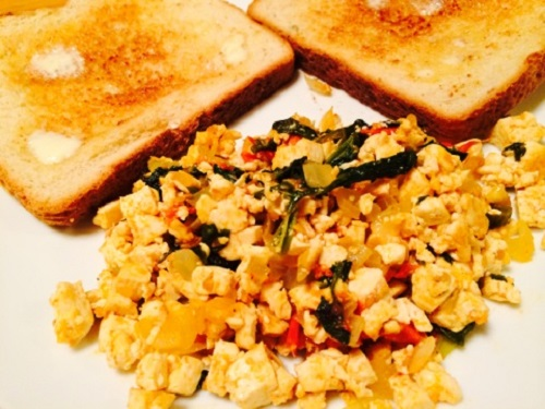 Tofu scramble and toast