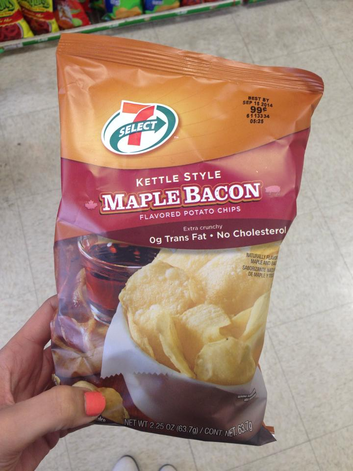 711 maple bacon chips
