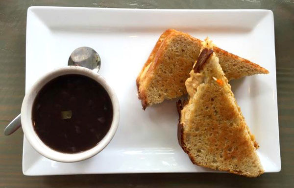 Ballyhoos-Grilled-Cheese